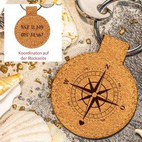 Schlüsselanhänger aus Kork - Kompass mit Koordinaten