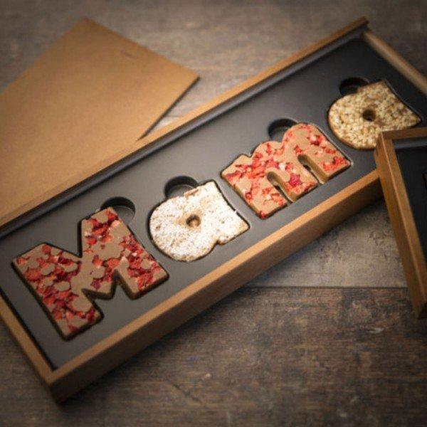 MAMA - Schokolade mit personalisierter Holzschachtel