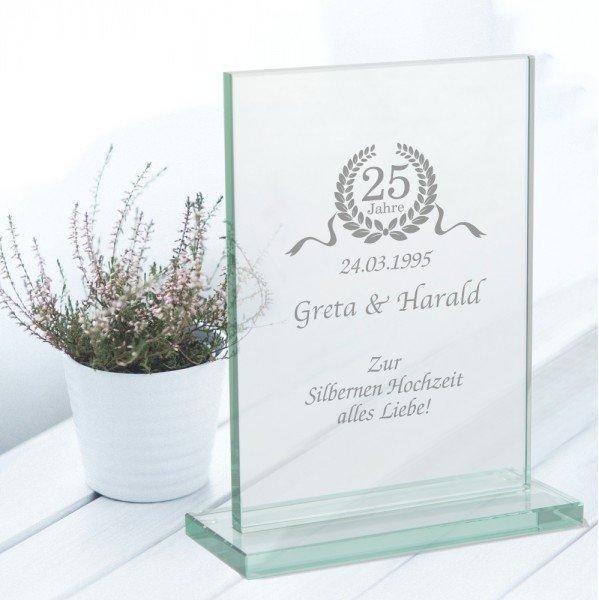 Glaspokal zur Silberhochzeit mit Gravur