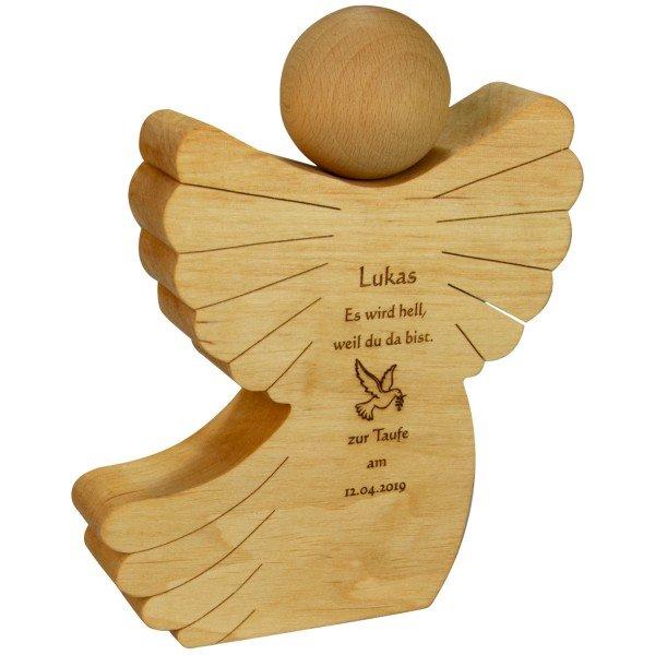 Holzengel zur Taufe mit Gravur
