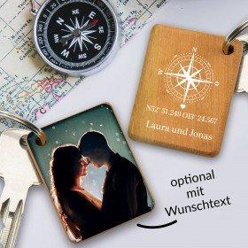 Holz-Schlüsselanhänger - Koordinaten mit Wunschfoto
