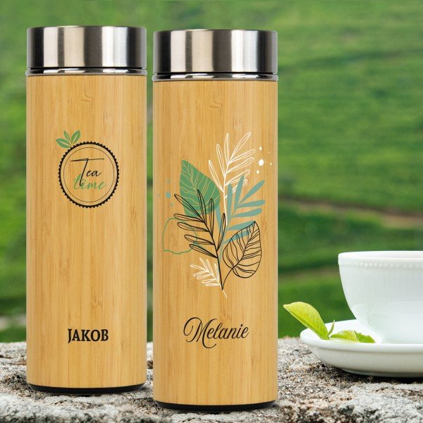 Teeflasche aus Edelstahl und Bambus mit Personalisierung