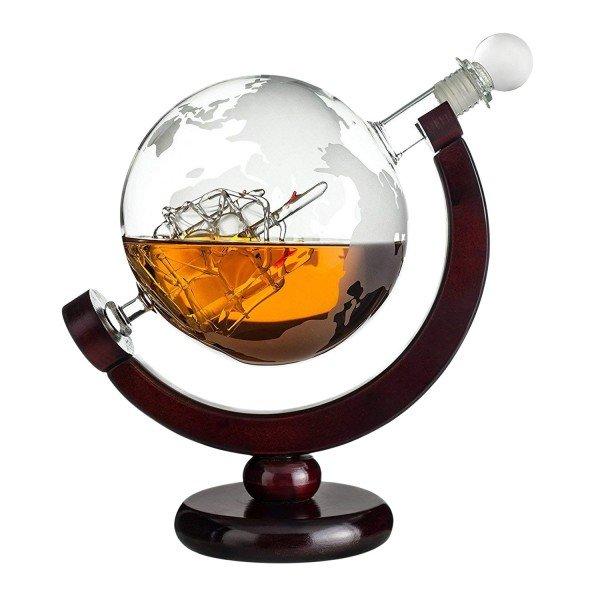 Glaskaraffe Globus mit Segelschiff aus Glas