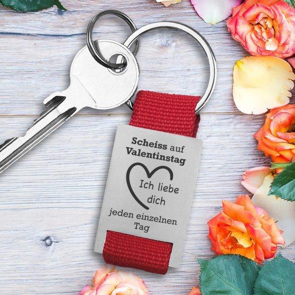 - Schlüsselanhänger Scheiß auf Valentinstag mit Wunschtext - Onlineshop Geschenke24