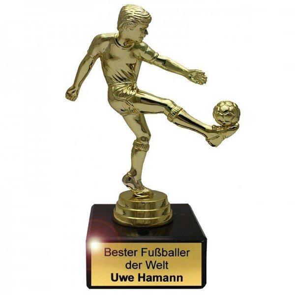 Pokal Fußballer mit Gravur