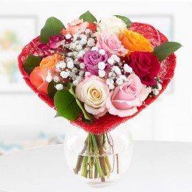 Blumenstrauß zum Verschicken - Rosen in Herzmanschette