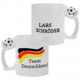 Tasse mit Fußballflagge