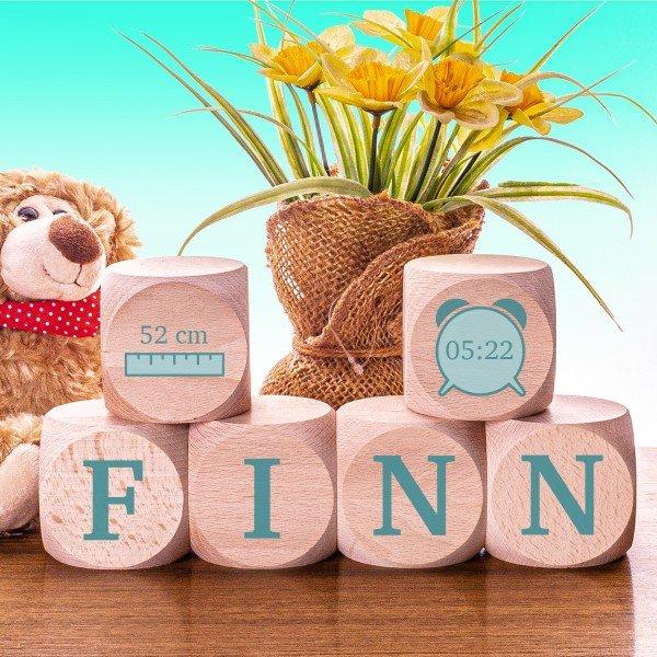 individualisierbare Geschenke Buchstabenwürfel aus Holz zur Geburt